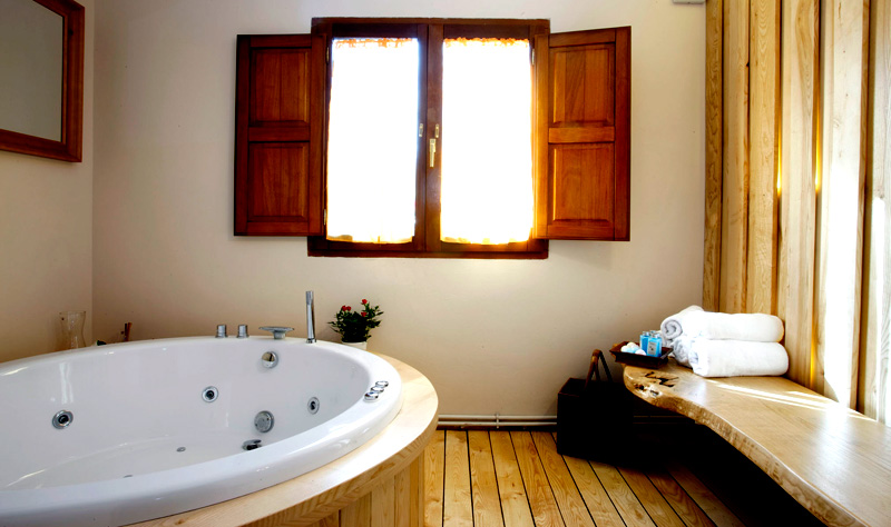 Rental Holiday Cottage In Asturias Aguas Bosque Taranes Jacuzzi